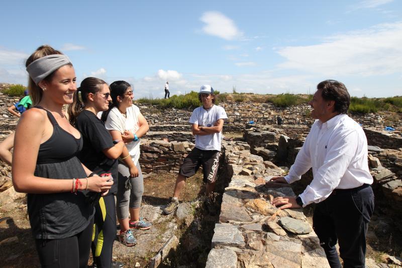 Imaxe da visita este mediodía do secretario xeral da Emigración, a directora xeral de Xuventude e o delegado da Xunta de Galicia en Lugo