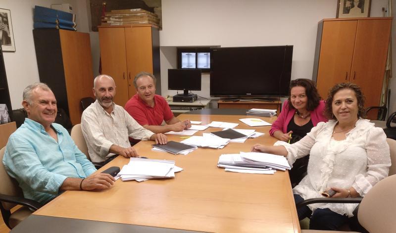 De esquerda a dereita: Carlos Loureiro, Xosé Manuel Lobato, Armando Requeixo, Ánxela Gracián e Rosalía Morlán