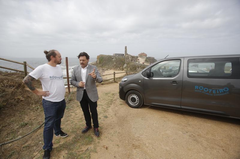 O secretario xeral da Emigración mantén un encontro con Andrés Rodiño Lis, retornado emprendedor que ten montado Rooteiro, un negocio de promoción do patrimonio galego a través de produtos turísticos