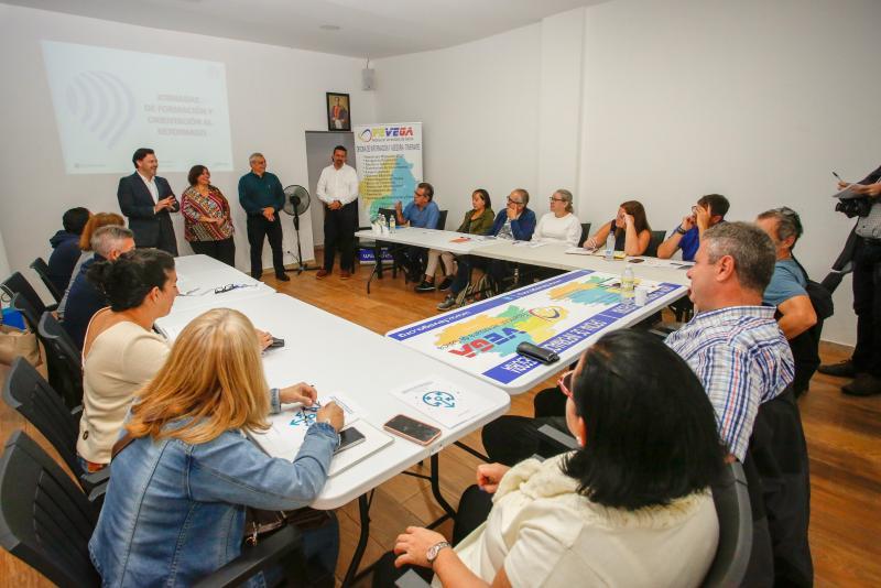 El secretario xeral da Emigración asiste a las 'Jornadas de formación y orientación al retornado', organizadas por FEVEGA