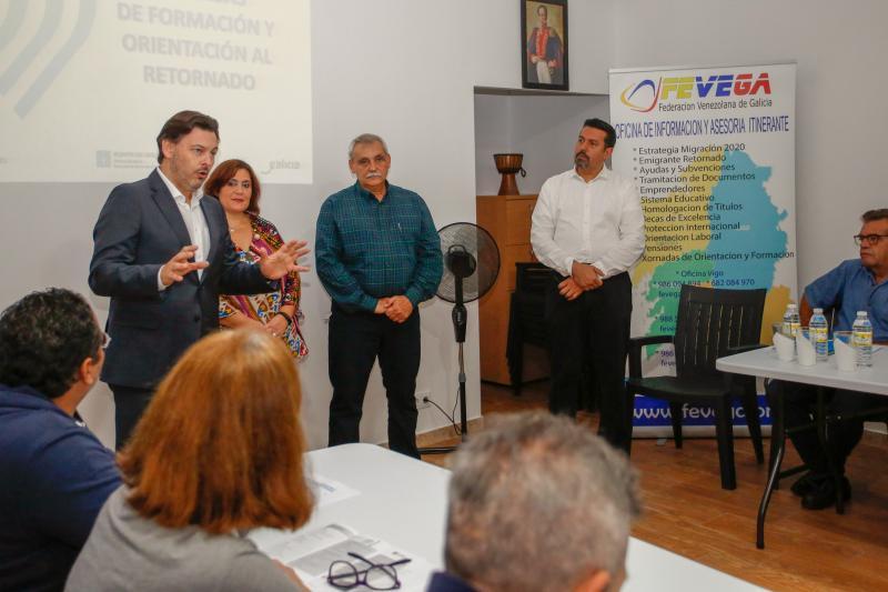O secretario xeral da Emigración asiste ás 'Xornadas de formación e orientación ao retornado', organizadas por FEVEGA