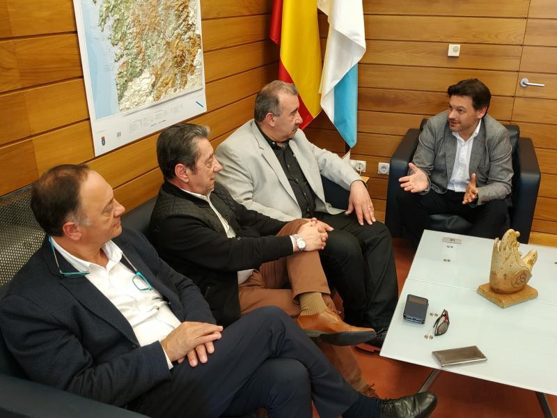 El secretario xeral da Emigración mantiene un encuentro con la directiva de AEGA