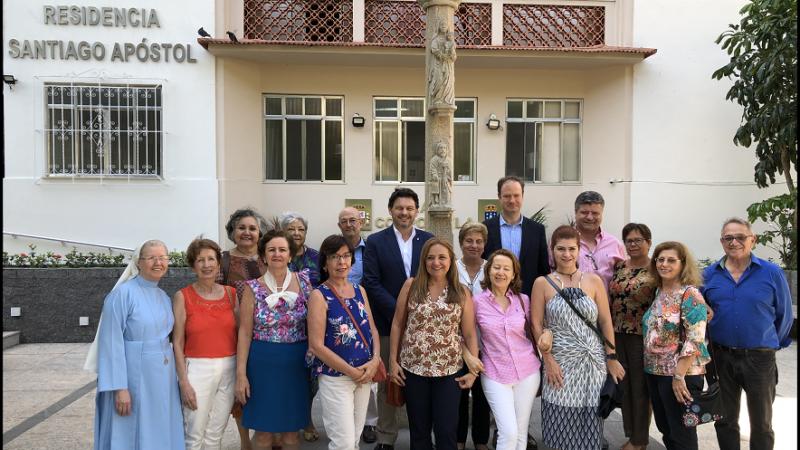 El secretario xeral da Emigración visitó también la residencia Santiago Apóstol de la Sociedade Recreio dos Anciãos para Asilo da Velhice Desamparada