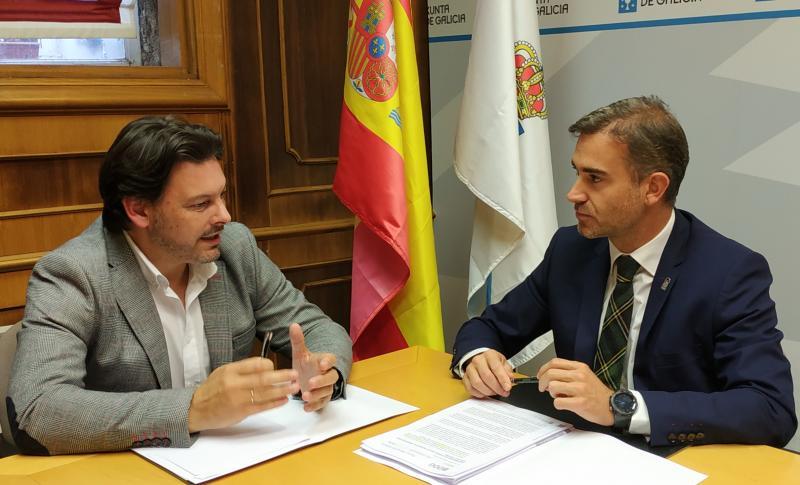 O secretario xeral da emigración, Antonio Rodríguez Miranda, mantén un encontro de traballo con seu homólogo andaluz, Amós García