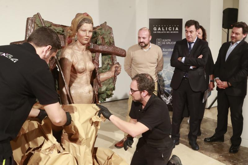 El Museo Gaiás recibe la 'Santa' de Asorey, símbolo de la fortaleza de la mujer labradora gallega que llevaba casi 70 años en Uruguay