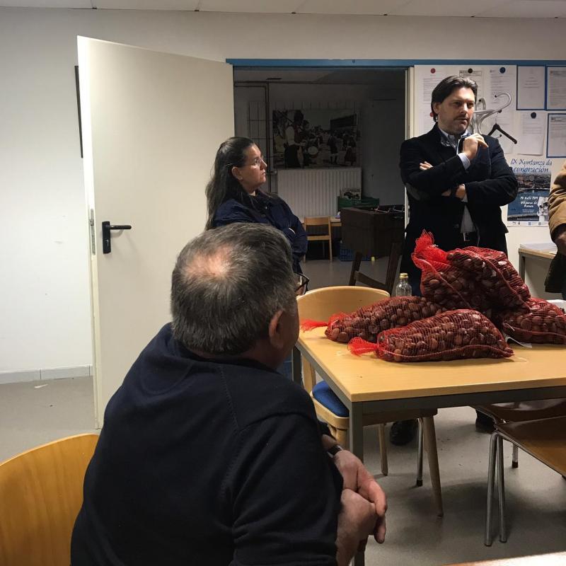 O secretario xeral da Emigración, no Centro Galego de Hannover