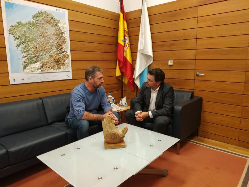 Imaxe da reunión celebrada no despacho do secretario xeral da Emigración na capital de Galicia