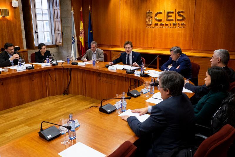No CAEX están representados distintos departamentos da Xunta, as comunidades galegas, as universidades, empresariado, sindicatos, ONGDs e outras e outros expertos relacionados co ámbito internacional