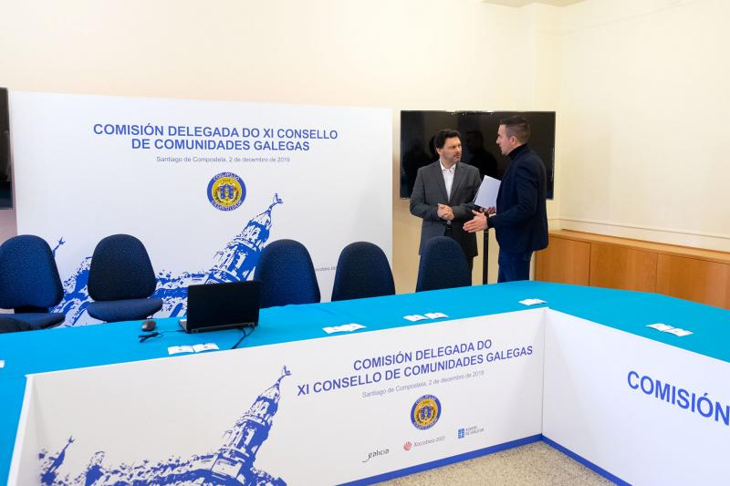 O secretario xeral da Emigración visita as instalacións de San Martiño Pinario, onde se desenvolverá a primeira das xornadas do XII Consello de Comunidades Galegas
