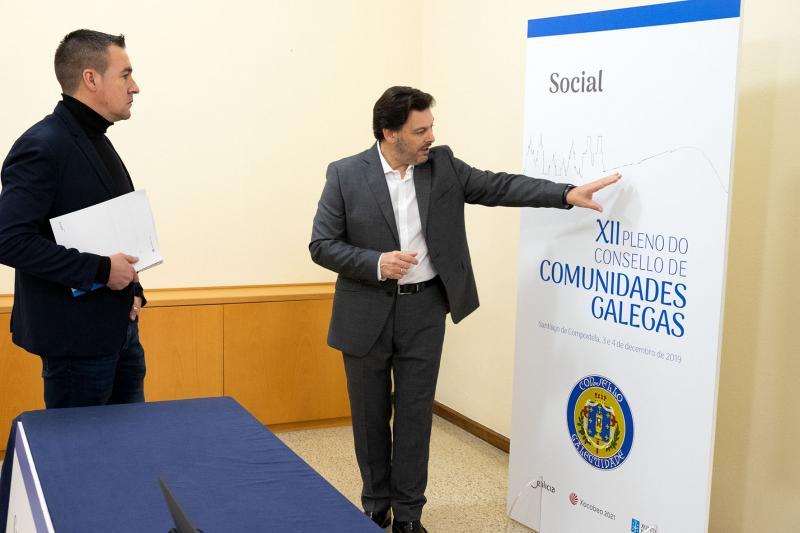 El secretario xeral da Emigración visita las instalaciones de San Martiño Pinario, donde se desarrollará la primera de las jornadas del XII Consello de Comunidades Galegas