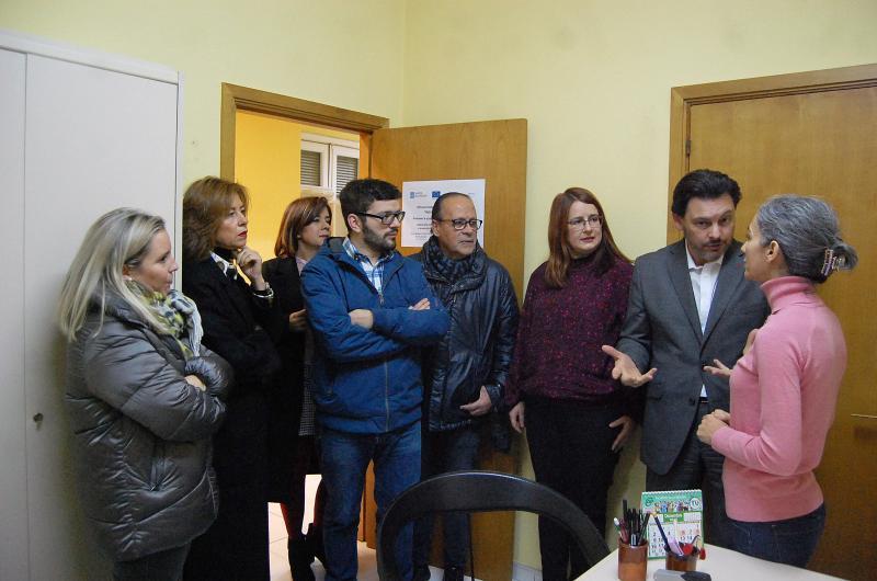 El secretario xeral da Emigración y la delegada territorial Marisol Díaz visitan a nueva Oficina Integral de Asesoramiento y Seguimiento al Retorno