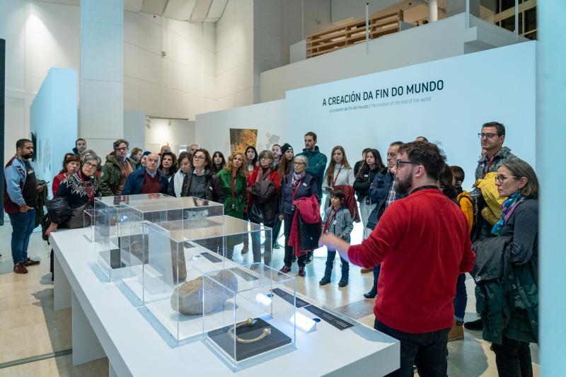 A exposición está organizada pola Consellería de Cultura e Turismo a través da Fundación Cidade da Cultura de Galicia e conta coa colaboración do Consello da Cultura Galega, a Secretaría Xeral da Emigración e a Fundación HispanoJudía