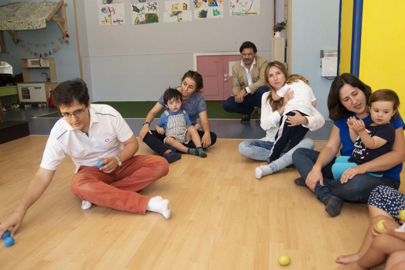 Imaxe de arquivo da visita de Antonio Rodríguez Miranda a un dos proxectos empresariais postos en marcha co apoio de Emigración