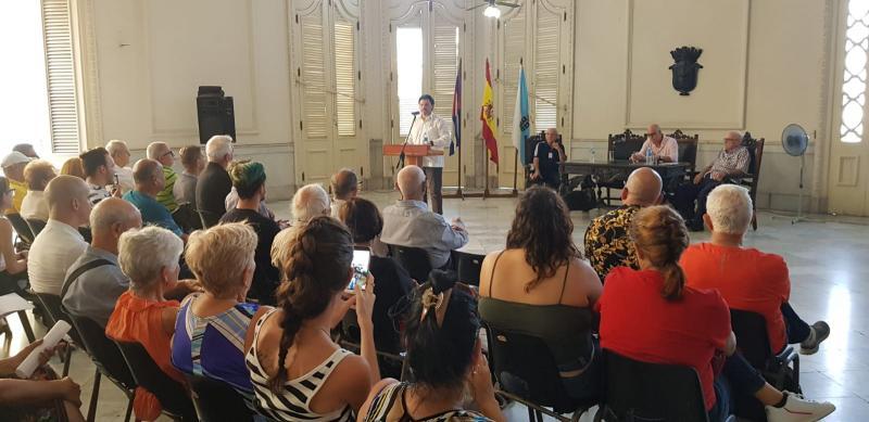 Miranda traslada a la colectividad en Cuba los programas de actuación que tienen a su disposición