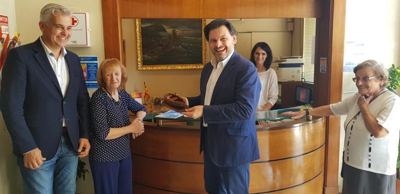 Miranda viaxa á Arxentina para avaliar a situación da principal colectividade galega no exterior e informar dos programas de actuación postos en marcha