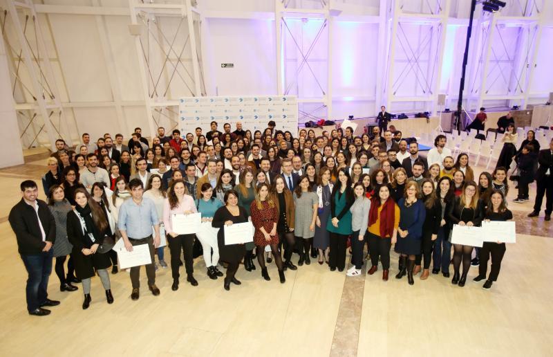 Entrega de diplomas ao alumnado beneficiario dunha BEME no curso 2019-2020