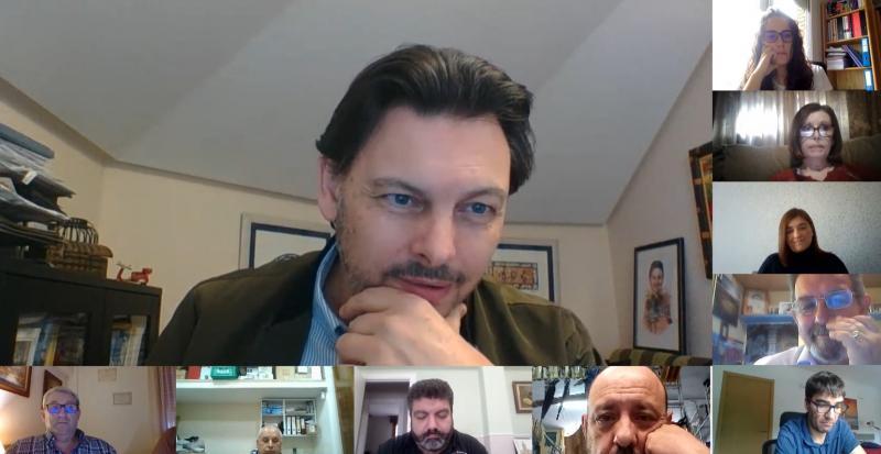 Imaxe da videoconferencia do secretario xeral da Emigración cos e coas representantes das entidades galegas no País Vasco