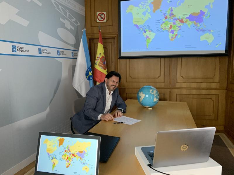 O secretario xeral da Emigración, durante a presentación desta tarde