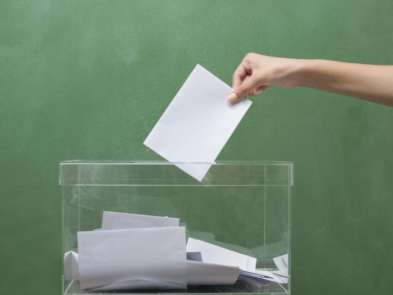 Mañá é o último día para que as e os electores residentes de forma permanente no estranxeiro (CERA) e as e os residentes temporalmente no estranxeiro (ERTA) soliciten o seu voto
