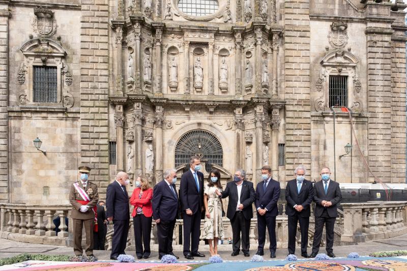 El presidente de la Xunta en funciones acompaña a SS.MM. los Reyes en la Ofrenda Nacional al Apóstol Santiago