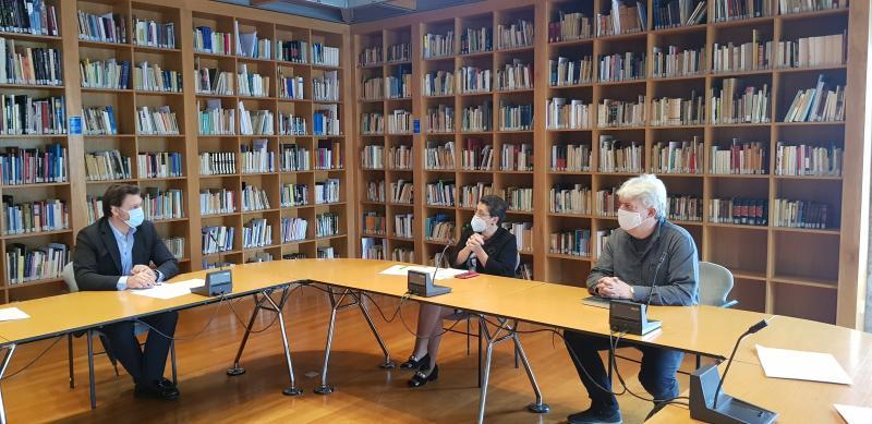 Imaxe da reunión celebrada na sede do CCG en Santiago de Compostela