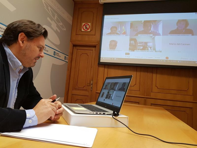 Antonio Rodríguez Miranda, durante a videoconferencia, na sede de Emigración na capital de Galicia
