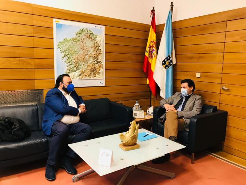 Foto da reunión celebrada na sede da Secretaría Xeral da Emigración na capital de Galicia