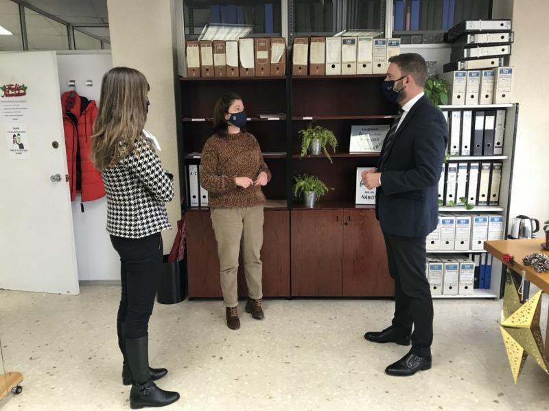 Imaxe da visita do delegado da Xunta na Coruña á Oficina Integral de Asesoramento e Seguimento ao Retorno na cidade herculina