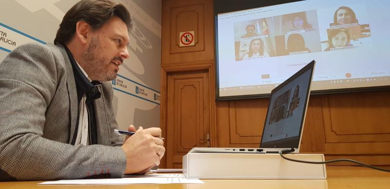 Antonio Rodríguez Miranda, durante a videoconferencia, na sede da SXE na capital de Galicia