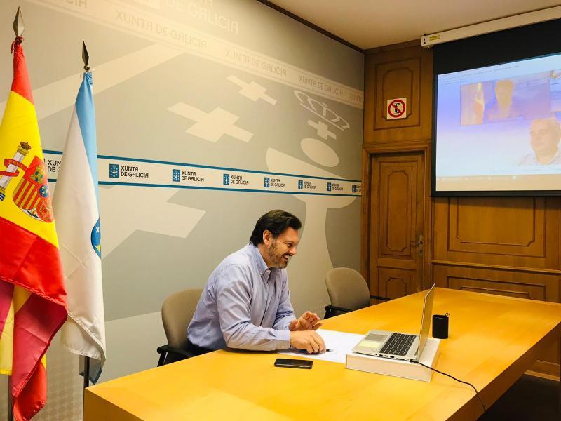 Antonio Rodríguez Miranda, durante a videoconferencia, na sede de Emigración en Santiago de Compostela