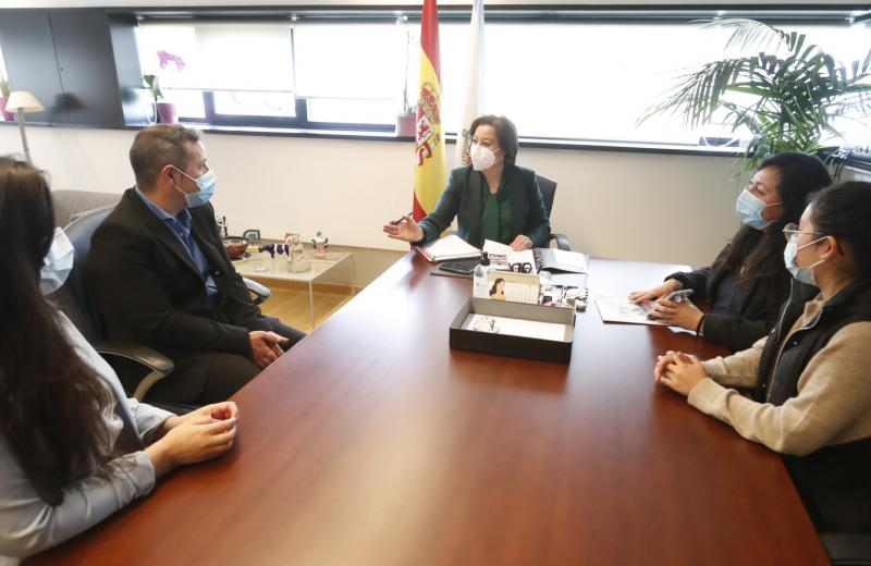 López Abella ratificó el apoyo del Gobierno gallego a las mujeres migrantes