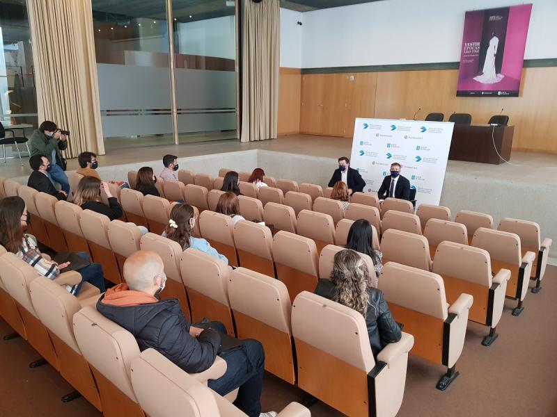 Imaxe do encontro de hoxe cos bolseiros e bolseiras BEME da Universidade da Coruña