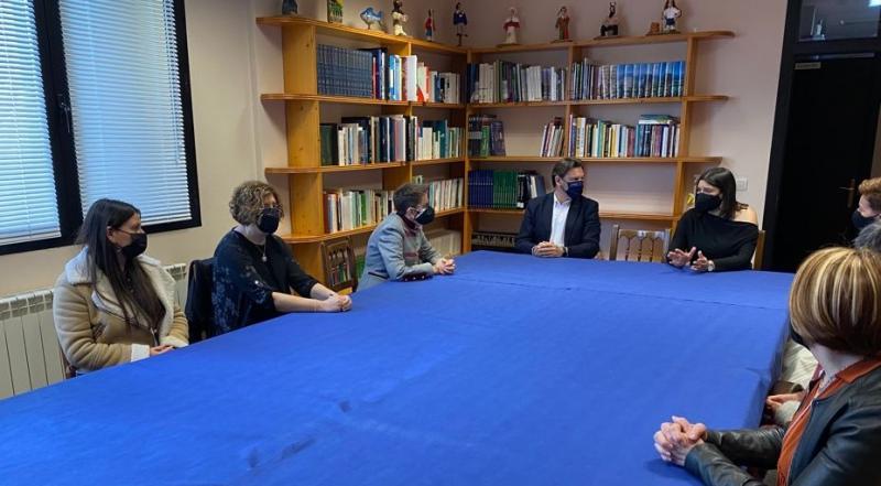 Imaxe da reunión na sede da entidade galega en Vitoria