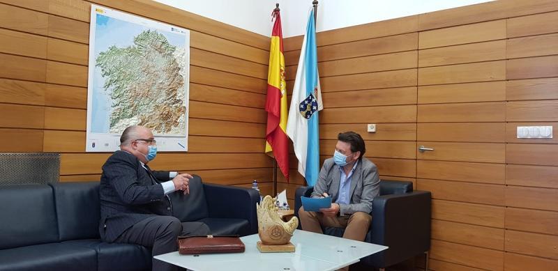 Miranda e Iglesias, durante a reunión celebrada na sede de Emigración en Santiago de Compostela