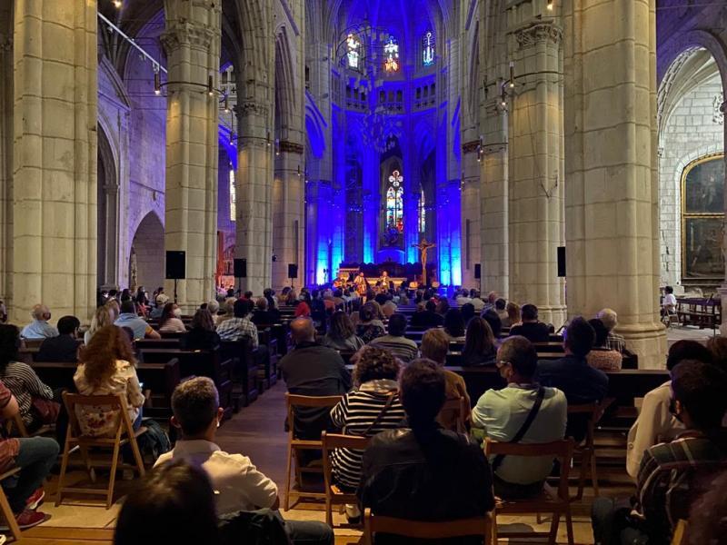 Imaxe do concerto de Carlos Núñez na Catedral Vella de Vitoria