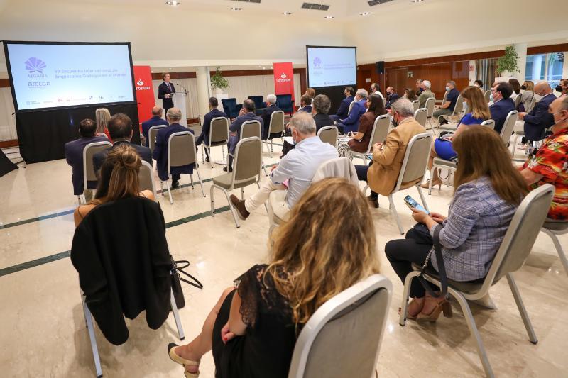 El titular del Gobierno gallego participó esta tarde en la clausura del VII Encuentro Internacional de Empresarios Gallegos en el Mundo