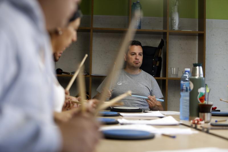 Haberá dúas modalidades, presencial e virtual, para talleres de folclore, artesanía, cociña e cultura galega