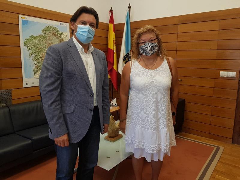 Antonio Rodríguez Miranda e María Jesús de la Fuente, na sede da SXE na capital de Galicia