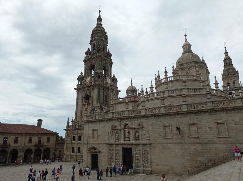 El programa tiene como objetivo promover los lazos con Galicia y con su cultura a través del Camino de Santiago de las personas mayores de 65 años vinculadas a estos centros del exterior