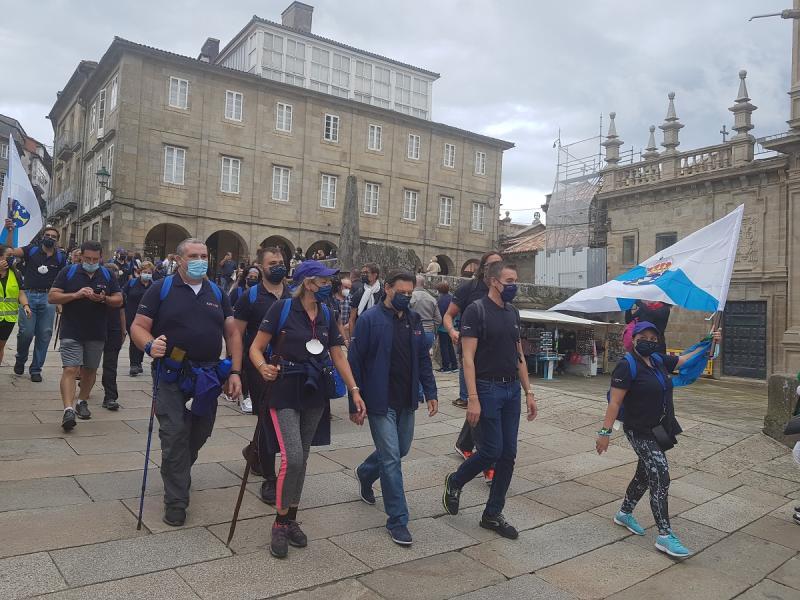 Imagen de la llegada a Santiago de Compostela, este mediodía, de las y los participantes en el Conecta co Xacobeo