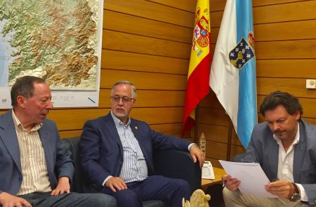 Miranda repasa la actualidad de las comunidades gallegas en México con el presidente del Centro Gallego