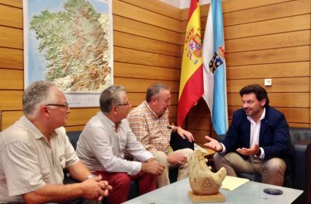 Miranda recibiu a representantes da diáspora galega en Cataluña