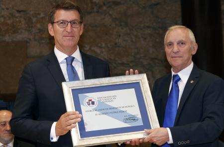 Feijóo refírese ao labor da Asociación Día de Galicia en Asturias como a proba de que a galeguidade se constrúe desde a unión e a suma de identidades