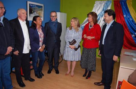 Miranda visita a oficina de Ourense de atención á e ao retornado da Federación de Venezolanos en Galicia
