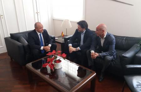 Miranda refuerza la colaboración del Gobierno gallego con la administración del Estado español en Venezuela