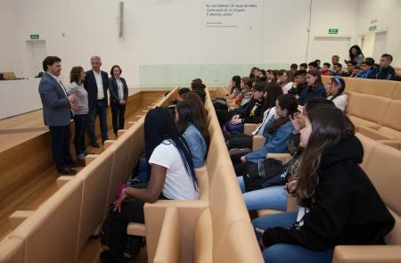 44 estudantes londinenses chegan a Santiago para perfeccionar o seu galego