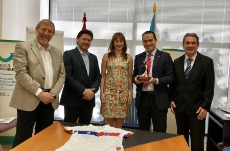 A Xunta aplaude o achegamento simbólico e deportivo do brasileiro Fortaleza Esporte Clube a Galicia no seu centenario
