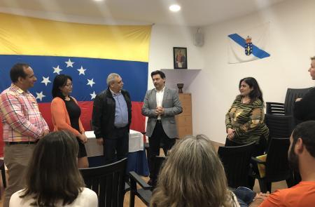 Miranda renueva su compromiso con las y los gallegos retornados en su visita a la oficina de la Federación de Venezolanos en Galicia en Vigo