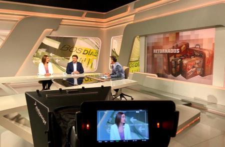 Miranda explica as Axudas ao Retornado Emprendedor na TVG xunto a unha beneficiaria