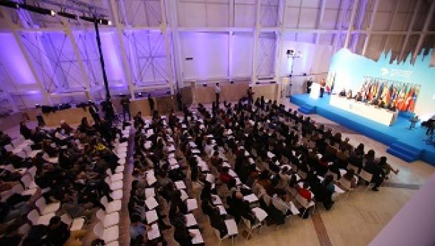 Entrega de diplomas acreditativos de la concesión de las Becas Excelencia Juventud Exterior 2020-2021